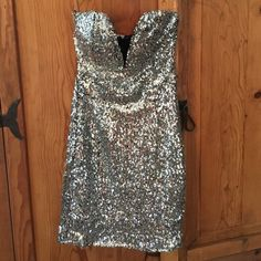 Silver Sequined Mini Party Dress New with tags! Silver sequined party dress. Mini. Strapless. Zips up in back. By Windsor. Size small. WINDSOR Dresses Mini