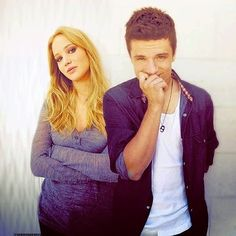 Jennifer Lawrence & Josh Hutcherson they should just date....no kidding
