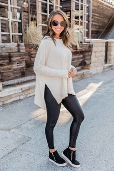 So, never downplay the necessity of stylish fashion choices. Casual Fall Outfits, Fall Winter Outfits, Stylish Outfits, Cute Outfits, Winter Style, Winter Clothes, Classy Outfits, Look Fashion, Fashion Outfits