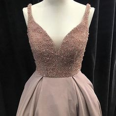 ・・・ We ❤️ our CUSTOM gowns! Your one stop shop to finding or designer your dream dress Long Bridesmaid Dresses, Formal Dresses, Wedding Dresses, Bridesmaids, Dream Dress, Dress Making, Marie, Ball Gowns, Pretty