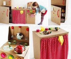 Karton Kutulardan,Karton Kolilerden Yapılan Oyuncak Ev Eşyaları,Karton Mutfak Ekipmanları ve Karton kutudan Televizyon,Çamaşır makinesi,Oyuncak Mutfak Tezgahı,Kartondan Buzdolabı tam 27 Tane Karton…