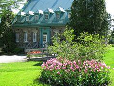 Parc des Moulins by CCNQ, via Flickr - Photo : CCNQ, Jean-Philippe Servant Monuments, Chateau Frontenac, Parcs, Le Moulin, Architecture, Canada, Cabin, Mansions, Gardens