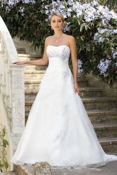 Explore the extensive collection of wedding dresses by Ladybird Bridal online. Affordable, stylish wedding dresses with the perfect fit for any figure. Summer Wedding Gowns, Beautiful Wedding Gowns, Wedding Dresses For Sale, Bridal Wedding Dresses, Wedding Bride, Bridesmaid Dresses, Antique Wedding Dresses, Country Wedding Dresses, Marie