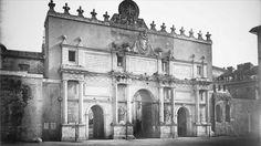 The Porta del Popolo, Rome Cesare Borgia, Bella Roma, Classic Architecture, Notre Dame, Miami, Lincoln, Building, Travel, Antique
