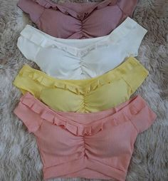 Blusas Outfits For Teens, Casual Outfits, Cute Outfits, Teen Fashion, Fashion Outfits, Techniques Couture, Tumblr Outfits, Saree Blouse Designs, Mode Style