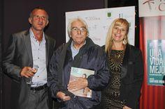 Claudio Garcia Satur, en el estreno de Una Vida Mejor, junto a Osvaldo Sali, Silvana Silenzi y Revista Iniciar