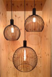 Octo design hanglamp stalen design lamp in zwart staal wireframe ontwerp secto look a like en ook wel vergeleken met een octopus