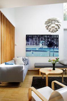 Keramiikkataiturin rivarikoti on leikkisä ja täynnä herkullisia yksityiskohtia - Deko Dining Bench, Couch, Living Room, Furniture, Home Decor, Deco, Settee, Decoration Home, Table Bench