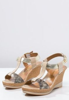 Tamaris - Sandalen met sleehak - beige