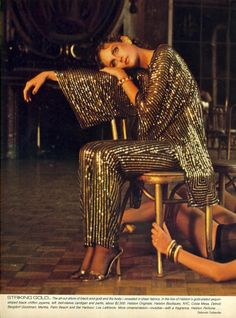 US Vogue November 1979 Striking Gold. A Special Allure Photo Deborah Turbeville Created Sexy and streamlined dresses for women that later became popular for nights at the disco Disco Fashion, 70s Fashion, Fashion History, Vintage Fashion, Style Fashion, Fashion Ideas, Studio 54, Disco Party, Pantalon Elephant
