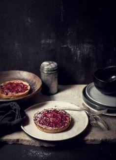... rhubarb, mascarpone and hazelnut tartlets ...