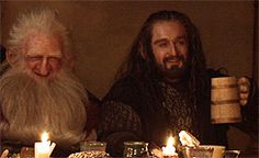 (gif) Awwwwwww!!! The cousins, Balin and Thorin :) Its so nice to see them smile!