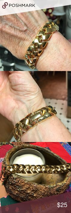 Beautiful vintage gold plated bracelet. So trendy, and vintage, reminiscent of the sixties and seventies. Very shiny and in perfect condition. Classic beauty! Jewelry Bracelets