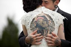 THIS IS THE SWEETEST PICTURE! THAT TATOO IS SO PERFECT! TILL DEATH DO US PART!!! 19 Rad Brides Who Rocked Their Tattoos On The Big Day