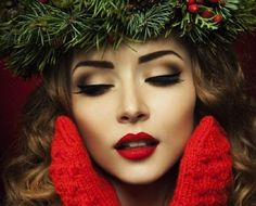I know it's not christmas anymore but this is still such a classy, elegant look.  sprinkleofbeauty.tumblr.com