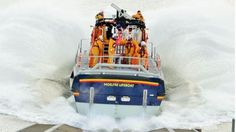 Moelfre Lifeboat Kiwi making a splash on a launch during a training exercise by… Kiwi, Wales, Boats, Sweet Home, Training, Exercise, Pictures, Ejercicio, Photos