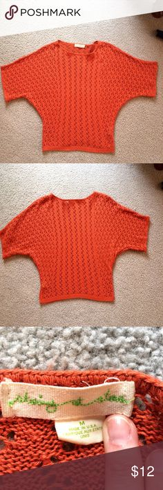 Staring at Stars summer wght shorter dolman sleeve Staring at Stars summer weight sweater with a shorter dolman sleeve.  Looks great with white pants. Staring at Stars Sweaters Crew & Scoop Necks
