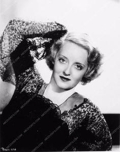photo beautiful Bette Davis portrait 2088-20
