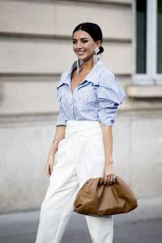 Spring 2020 Fashion Street Trend - Shades of White. Als de Fall Street Style is op trend, zal wittinten een populaire kleur dit jaar . Spring Fashion Trends, Summer Fashion Trends, Fashion Week, Fashion 2020, Look Fashion, Spring Summer Fashion, Autumn Fashion, Paris Fashion, Fashion Hacks