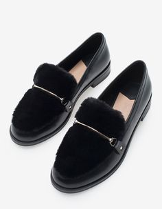 At Stradivarius you'll find 1 Faux-fur moccasins for woman for just 29.99 United Kingdom . Visit now to discover this and more ALL.