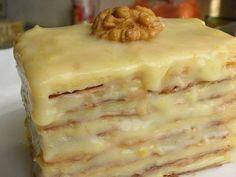 Рецепт Слоеное пирожное со сгущенкой В упаковке слоеного теста 2 квадратных листа, каждый из которых раскатываем в одном направлении до получения прям...
