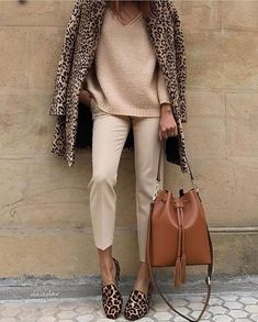 35 Stylish Street Style Outfit To Inspire Yourself Classy Fall Outfits, Best Casual Outfits, Modest Outfits, All Star Branco, Smart Casual Women, Pull & Bear, Winter Stil, Fall Winter, Looks Chic