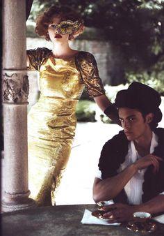 aleworldaddict:    Peggy Guggenheims Venice Lara Stone and Baptiste Giabiconi by Karl Lagerfeld for Harpers Bazaar US September 2009
