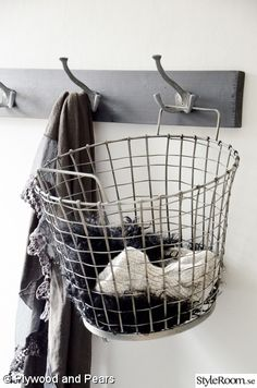 like the basket being held by a wall hook Book Baskets, Wire Baskets, Laundry Sorting, I Heart Organizing, Home Organisation, Compact Living, Dream Apartment, Basket Decoration, Cozy House