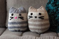 Mini Kitty Pouf (pillow) - Knitting Patterns and Crochet Patterns from KnitPicks.com by Edited by Knit Picks Staff On Sale
