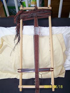 Homemade Tablet weaving loom Good idea, made from an embroidery frame.