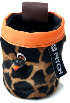 Giraffe chalk bag (pitchclimbing.com) Climbing Chalk, Giraffes, Bags, Stuff To Buy, Design, Handbags, Dime Bags, Totes, Design Comics