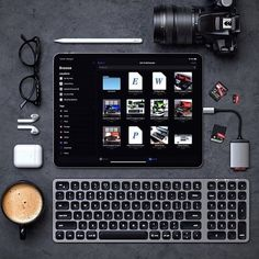Find the perfect USB-C hub for your new iPad Pro, MacBook Air or MacBook Pro, and upgrade your setup with our range of latest Type-C accessories. Computer Desk Setup, Gaming Room Setup, Workspace Desk, Gaming Desk, Tech Gadgets, Cool Gadgets, Iphone Gadgets, Accessoires Ipad, Ipad Accessories