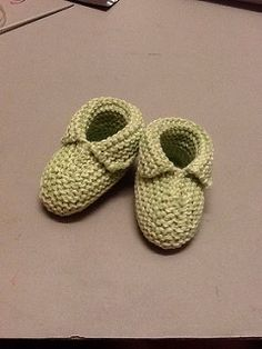 Ravelry: Eco Baby Booties pattern by Jen Gontier Knitting Socks, Baby Knitting, Baby Booties, Baby Shoes, Ravelry, Baby Buns, Eco Baby, Knitting Projects, Knitting Ideas