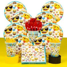 Emoji Deluxe Birthday Party Tableware Kit Serves 8