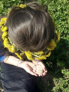 Flower in hair! Yellow flowers!