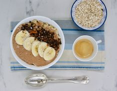 Porridge et crème chocolatée Muesli, Granola, Le Cacao, Creme, Oatmeal, Breakfast, Food, Peanut Butter, Fresh Fruit