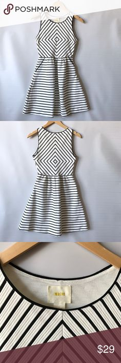 """Anthropologie Maeve dress sz 2 Anthropologie Maeve dress. Sz 2. Great condition. Stretchy. Chest flat across 16""""-18"""" waist flat across 13""""-15"""" length 34"""" Anthropologie Dresses"""