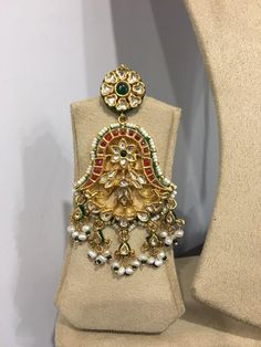 Gold Jewelry Design In India Jewelry Design Earrings, Gold Jewellery Design, Gems Jewelry, Jewelery, Silver Jewellery, Indian Wedding Jewelry, Bridal Jewelry, Rajputi Jewellery, Urban Jewelry