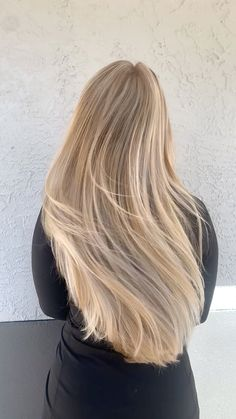 Home - UbU Color Salon in Tampa, FL - You are in the right place about diy face mask Here we offer you the most beautiful pictures about - Caramel Blonde Hair, Beauté Blonde, Blonde Hair Looks, Brown Blonde Hair, Light Brown Hair, Bleach Blonde, Long Blond Hair, Blonde Hair Meme, Blonde Hair For Summer