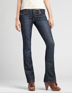 Found! The Best Jeans to Flatter a Pear Shape Figure: Bootcut and Flare Jeans