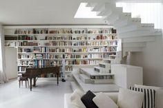 loft moderne paré d'un escalier tendance