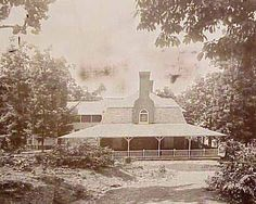 The 25 room Tavern on Mill Mountain, AKA the Rockledge Inn (built 1892). Later home to the Mill Mountain Playhouse. Destroyed by fire in early '70s.