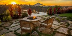 The Ferson residence has a panoramic view that deserves capturing. Eco Minded Solutions created a space that complements the home, environment and creates ample space to enjoy the spectacular Encinitas sunsets. The project include a spacious deck, a naturalistic flagstone patio, fire feature, and new lush planting.