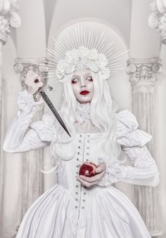 La Dame Blanche Ph: Stanislav Aleksashin Md: Katherine Baumgertner Dress: Katherine Baumgertner #white_goth #albino #white_and_red #blindness #gothic #pastel_goth