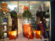 Dicksboardstore : Joint winner of @32Thirty_two clothing and snowboard boot window display!
