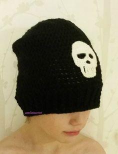 virkattu pääkallopipo - crochet skull beanie
