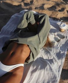 Body Inspiration, Fitness Inspiration, Summer Body Goals, Foto Casual, Beach Poses, Insta Photo Ideas, Foto Pose, Summer Aesthetic, Summer Pictures