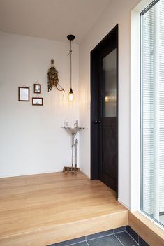 Natural Interior, Tiny House, Doors, Mirror, Simple, Furniture, Home Decor, Ideas, Entryway