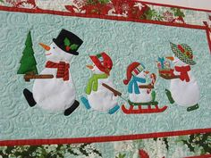 Enjoy This Happy Snow Family Every Holiday Season - Quilting Digest Christmas Patchwork, Christmas Quilt Patterns, Christmas Applique, Purple Christmas, Christmas Sewing, Christmas Crafts, Christmas Quilting, Christmas Placemats, Coastal Christmas