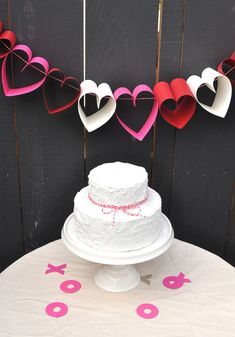 Paper heart garland in Decoration for babies, children and adults parties, for events such as anniversaries or birthdays or dinners